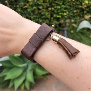 Brown leather bow bracelet